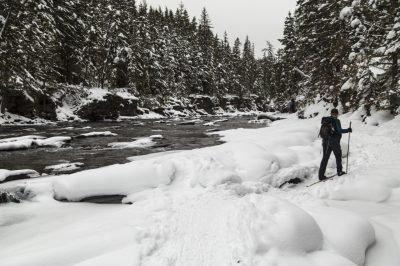 Osprey_Packs_Skier_Along_McDonald_Creek_NPS_Jacob_W_Frank