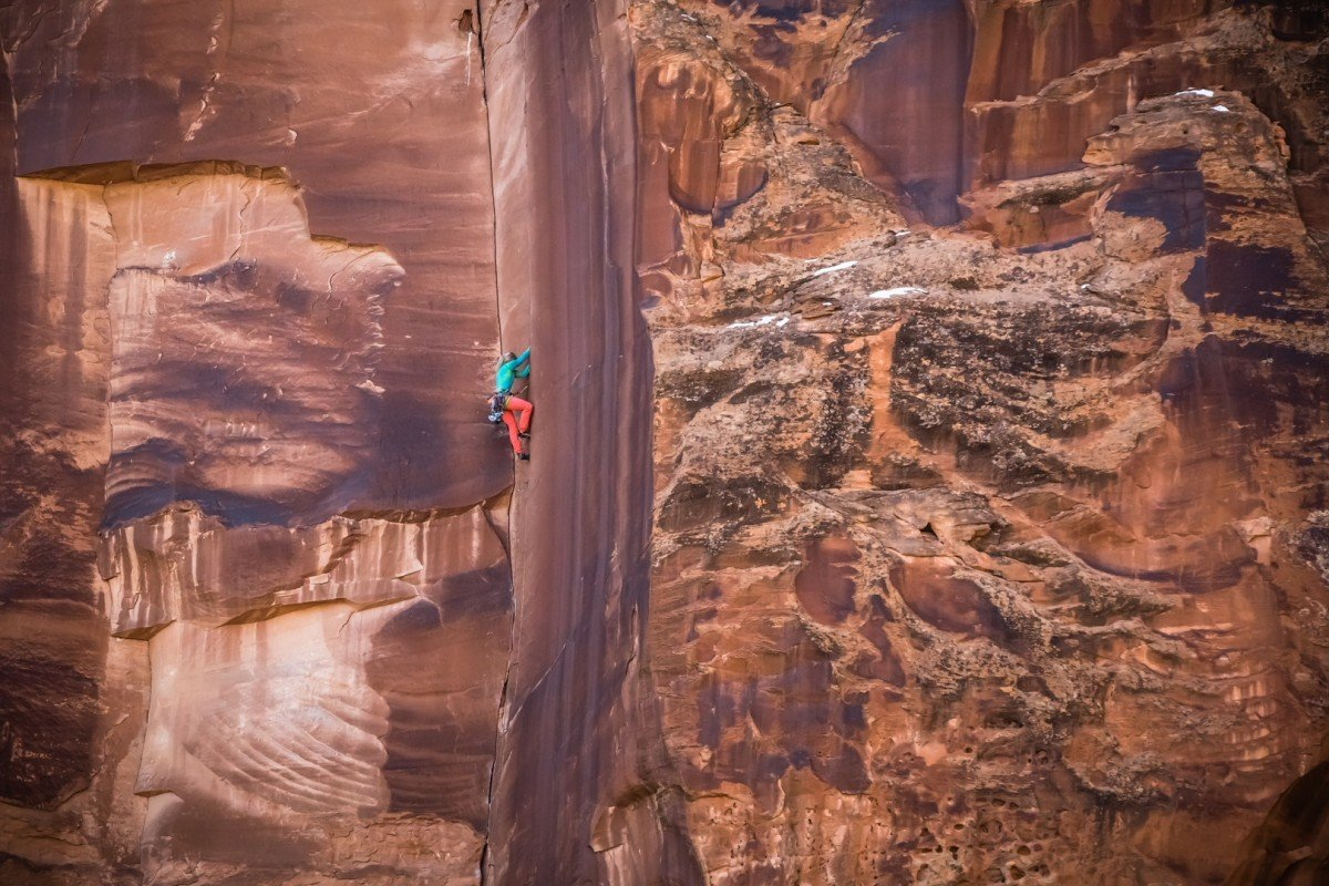 Anna Pfaff on Willy's Hand Jive a 5.10 in Escalante Canyon, CO