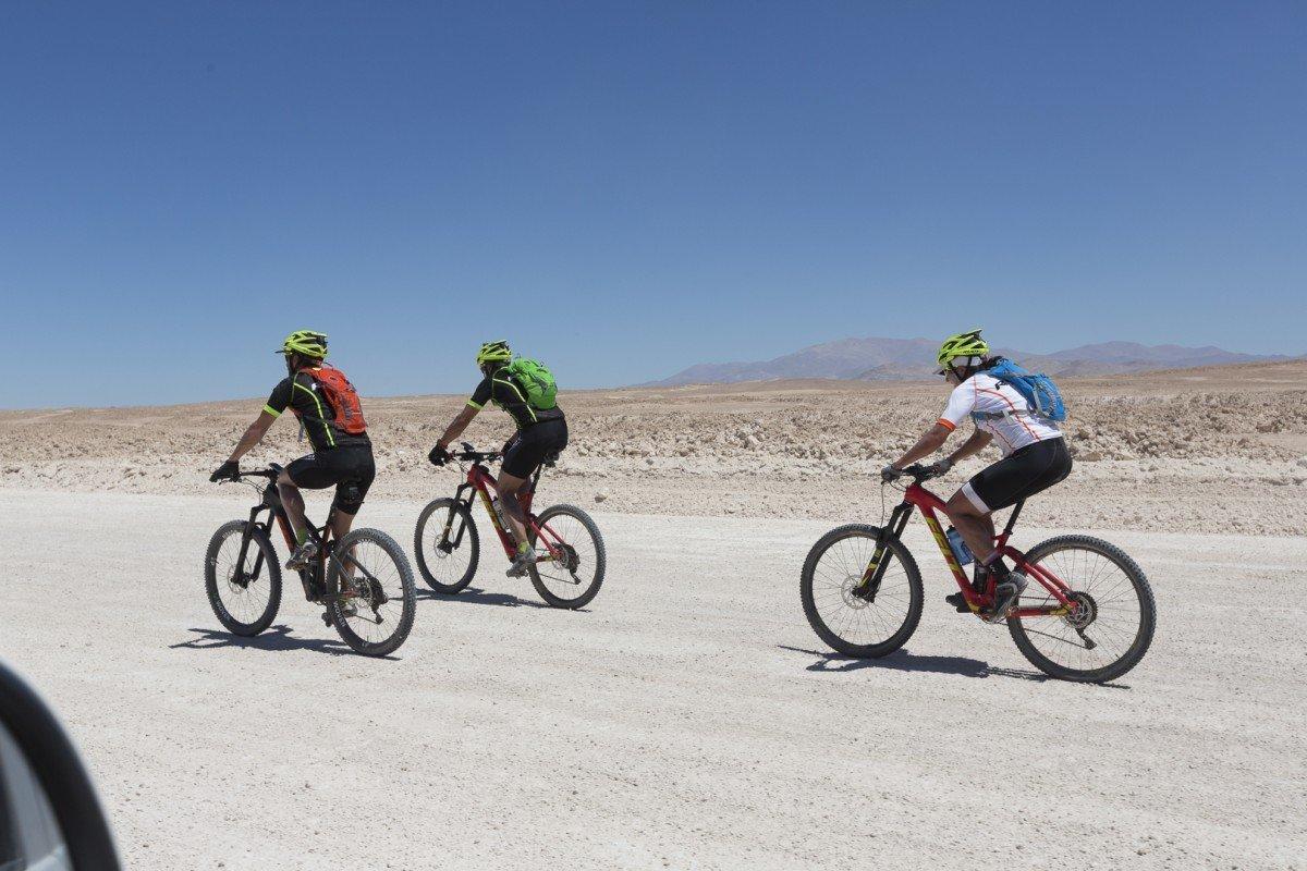 Arctic2atacama with Ray Zahab, Stefano Gregoretti, Jenny Segger Mountain biking across Atacama desert from the Peruvian border to Copiapo - 1200km