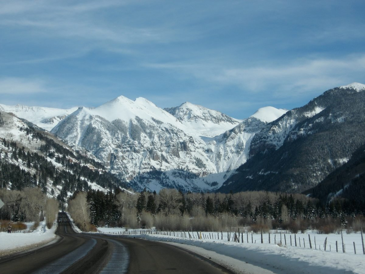 The drive into Telluride will get you psyched to explore. Image via Grayskillduggery.